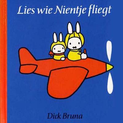 Lies wie Nientje fliegt ( Le Petit lapin en avion)